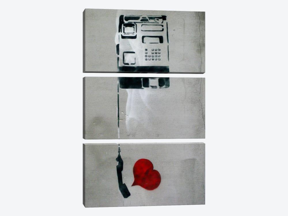 Dolk Phone by Unknown Artist 3-piece Canvas Art