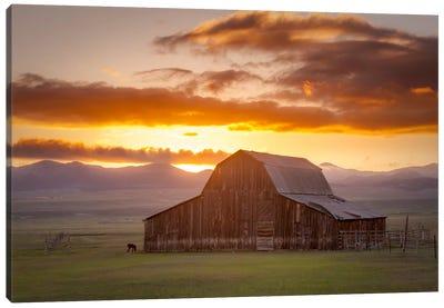 Wet Mountain Barn ll Canvas Print #11613