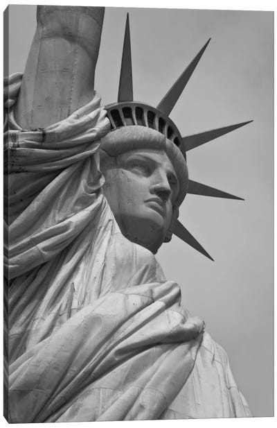 Statue of Liberty Black & White Canvas Print #3666