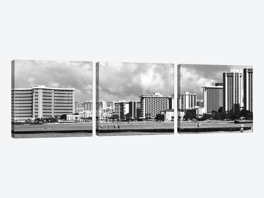 Honolulu Panoramic Skyline Cityscape (Black & White) 3-piece Canvas Art