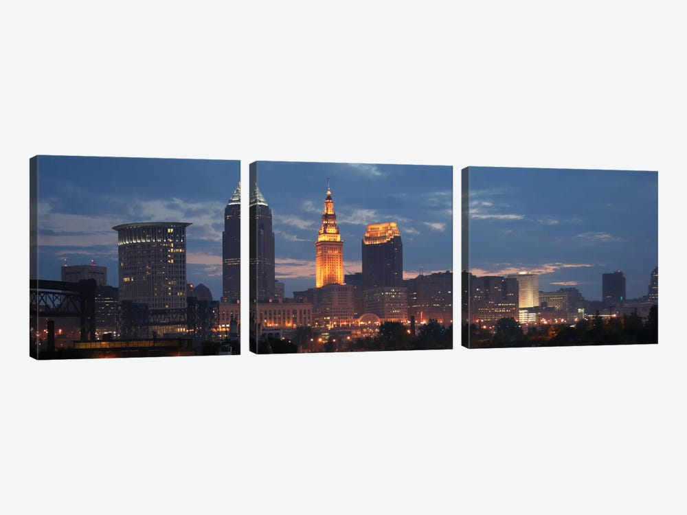 Cleveland Panoramic Skyline Cityscape (Dusk) 3-piece Canvas Artwork