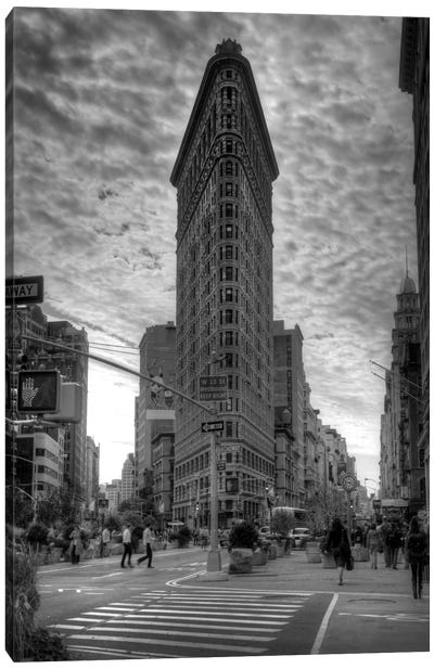 Flatiron Building (New York City) Canvas Print #7032
