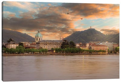 Como I Canvas Art Print