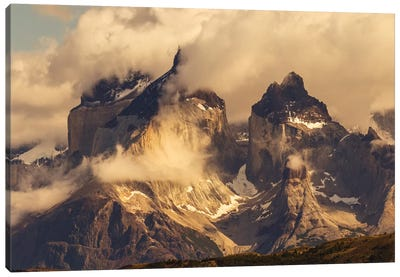 Paine Massif, Torres del Paine National Park, Chile, Patagonia Canvas Art Print