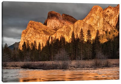 USA, California, Yosemite National Park, Bridalveil Falls at sunset I Canvas Art Print