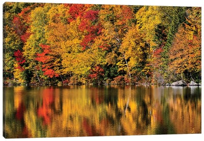 USA, New Hampshire, White Mountains, Reflections on Russell Pond Canvas Art Print