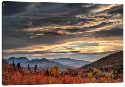USA, New Hampshire, White Mountains, Sunrise from overlook Canvas Art Print