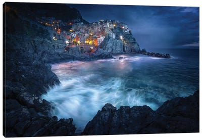 Between The Earth And The Sea Canvas Art Print