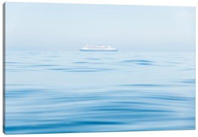 Cruising I Canvas Art Print