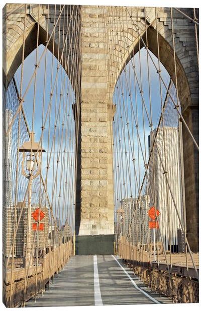 Brooklyn Bridge IV Canvas Print #BLA5