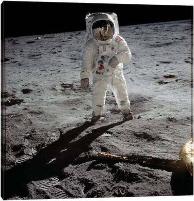 Astronaut Edwin 'Buzz' Aldrin standing on the moon after the Apollo 11 landing, 20 July 1969  Canvas Art Print