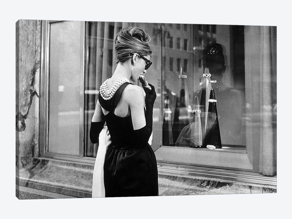 Diamants sur canape Breakfast at Tiffany's de BlakeEdwards avec Audrey Hepburn 1961  by Rue Des Archives 1-piece Canvas Art Print