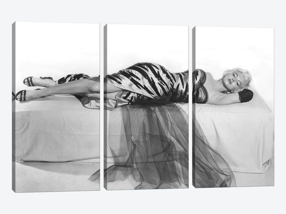 Marilyn Monroe by Rue Des Archives 3-piece Canvas Artwork