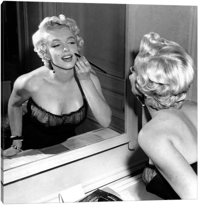 On The Set, Marilyn Monroe. Canvas Art Print