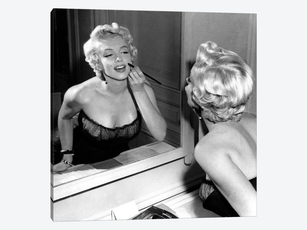 On The Set, Marilyn Monroe. 1-piece Canvas Print