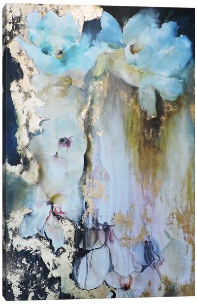 Rosas en las Rocas Canvas Art Print
