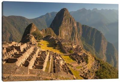 Machu Picchu At Dawn Above Urubamba Valley Near Cuzco, Peru Canvas Art Print