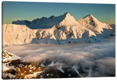 Mount Pollux And Mount Castor At Dawn, Wilkin Valley, Mount Aspiring National Park, New Zealand Canvas Art Print