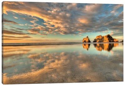 Archway Islands, Wharariki Beach Near Collingwood, Golden Bay, New Zealand Canvas Art Print