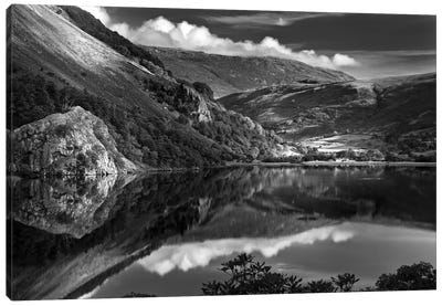 Llyn Gwynant I, Snowdonia, Wales, United Kingdom Canvas Art Print