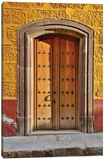 San Miguel De Allende, Mexico. Colorful buildings and doorways Canvas Art Print