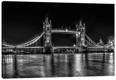 London in Black & White Canvas Art Print