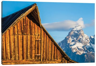 USA, Wyoming, Grand Teton National Park, Jackson, Barn roof in early morning Canvas Art Print