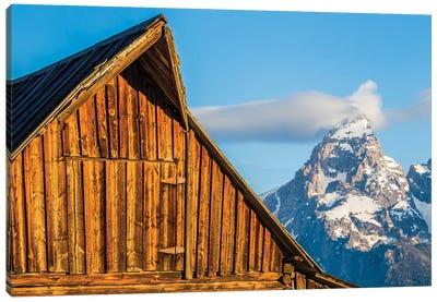 USA, Wyoming, Grand Teton National Park, Jackson, Barn roof in early morning Canvas Art Print
