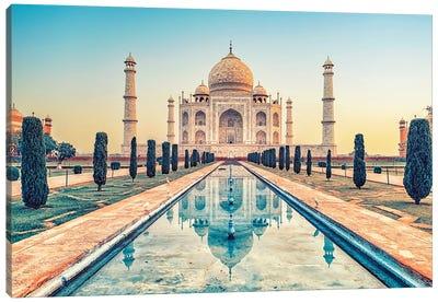 Beautiful Taj Mahal Canvas Art Print