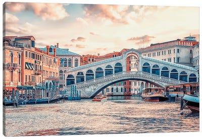 Ponte Di Rialto Canvas Art Print