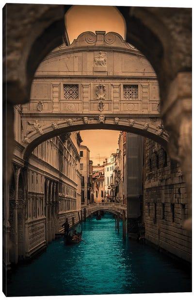 Ponte dei Sospiri, Venice Canvas Art Print