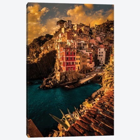 Riomaggiore, Cinque Terre Canvas Print #ENZ61} by Enzo Romano Canvas Artwork