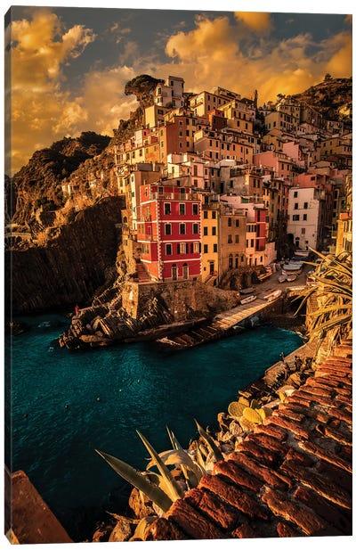 Riomaggiore, Cinque Terre Canvas Art Print
