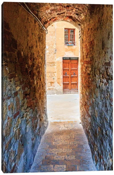 Italy, Tuscany, province of Siena, Chiusure. Hill town. Narrow passageway. Canvas Art Print