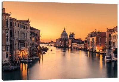 Dawn On Venice Canvas Art Print