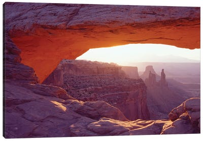 Dawn I, Mesa Arch, Canyonlands National Park, Utah, USA Canvas Art Print