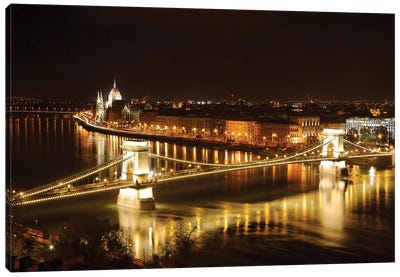 Budapest Nightscape With The Chain Bridge And The House Of The Parliement Canvas Art Print
