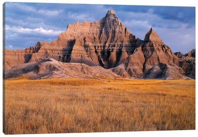 USA, South Dakota, Badlands National Park, Storm clouds over Vampire Peak Canvas Art Print