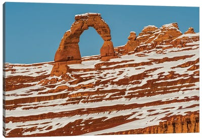 Delicate Arch in winter, Arches National Park, Utah Canvas Art Print