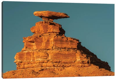Halgaito shale rock formation called 'Mexican Hat' on the San Juan River in south-central, Utah Canvas Art Print