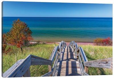 Michigan, Keweenaw Peninsula. Great Sand Bay, trail to beach and Lake Superior Canvas Art Print