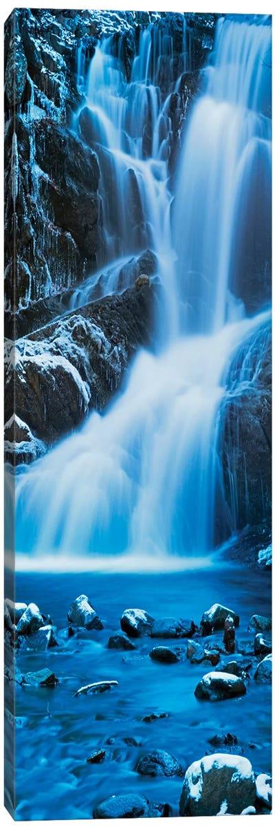 Vertical Water III Canvas Art Print
