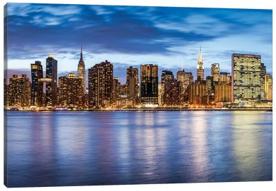 Manhattan Skyline With Empire State Building And Chrysler Building At Dusk Canvas Art Print