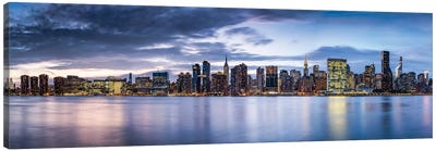 Manhattan Skyline Panorama With Empire State Building And Chrysler Building Canvas Art Print
