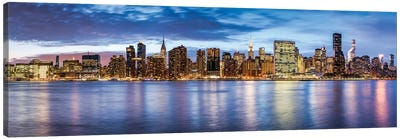 Manhattan Skyline Panorama With Empire State Building And Chrysler Building At Night Canvas Art Print