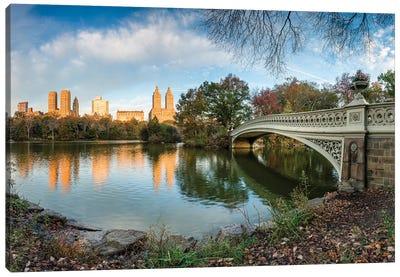 Bow Bridge And The Lake At Sunrise, Central Park, New York City Canvas Art Print