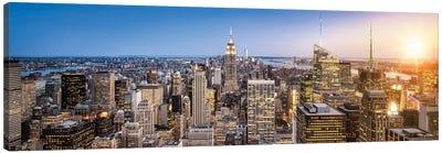 Manhattan Skyline Panorama At Sunset, New York City, Usa Canvas Art Print