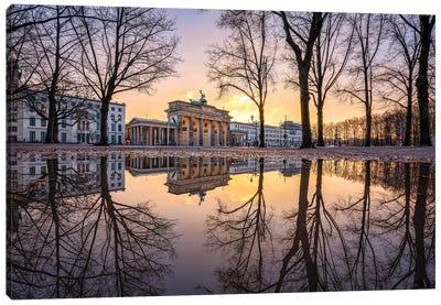 Brandenburg Gate In Winter Canvas Art Print