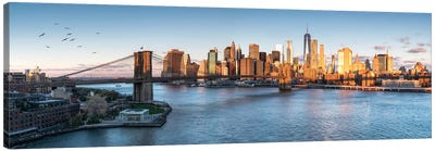 Brookyln Bridge And Manhattan Skyline Canvas Art Print