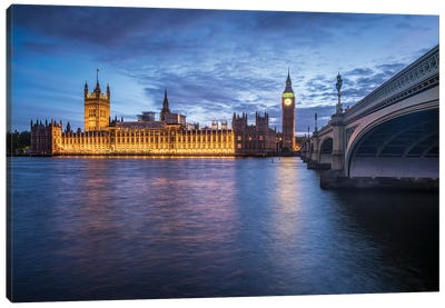 Palace Of Westminster And Big Ben Along The The River Thames Canvas Art Print